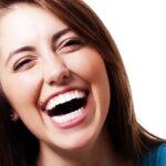 Feste Zahnspange – die unsichtbaren Alternativen